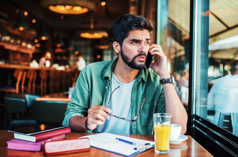 8 Möglichkeiten Wie Du Wissen Kannst, Ob Dein Mann Sich Wirklich Interessiert Oder Dich Nur Kontrolliert